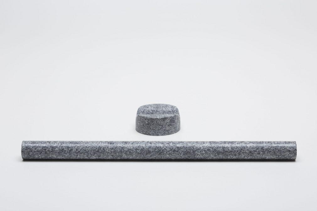 島本石材工業 [庵治石] ×レオン・ランズメイヤー